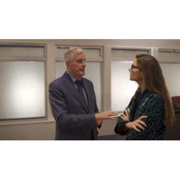 Pernille Weiss taler med Michel Barnier